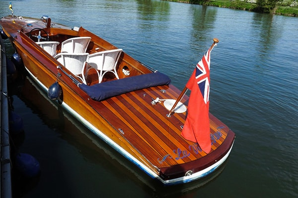 "A Wootten's 28ft slipper aptly named ""La vie en Rose""."