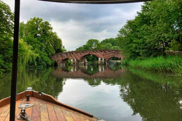 """""""Tarbes"""" approaching Sonning Bridge"""