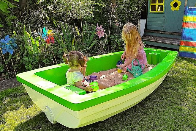 Pondlife Workshop's 'Pondlife Playboat'