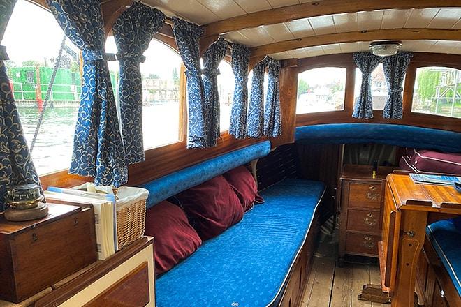 'Bella's' cosy interior